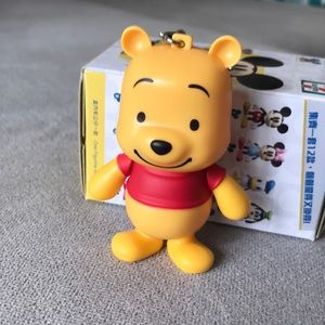 Winnie the Poo figurine / keychains